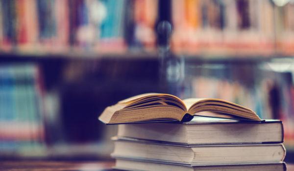 Lectures dans les écoles et centres pénitentiaires